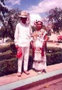 Campechana Vestida Para Un    Sarao     La Tradicional Fiesta Bailable
