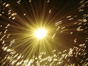 Resultado de imagen de La luz se expande en todas las direcciones